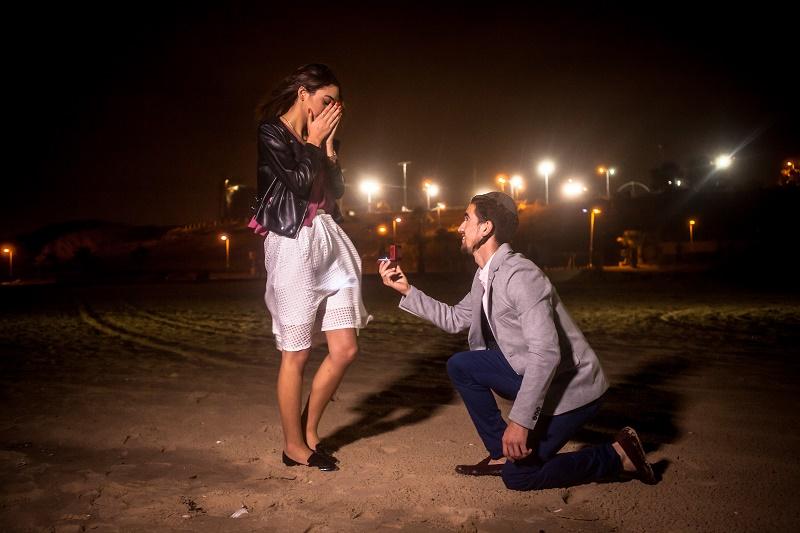 הצעת-נישואין-על-חוף-הים